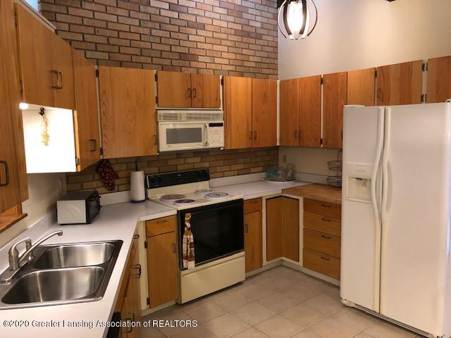 4329 Tacoma Cir - Kitchen - 9