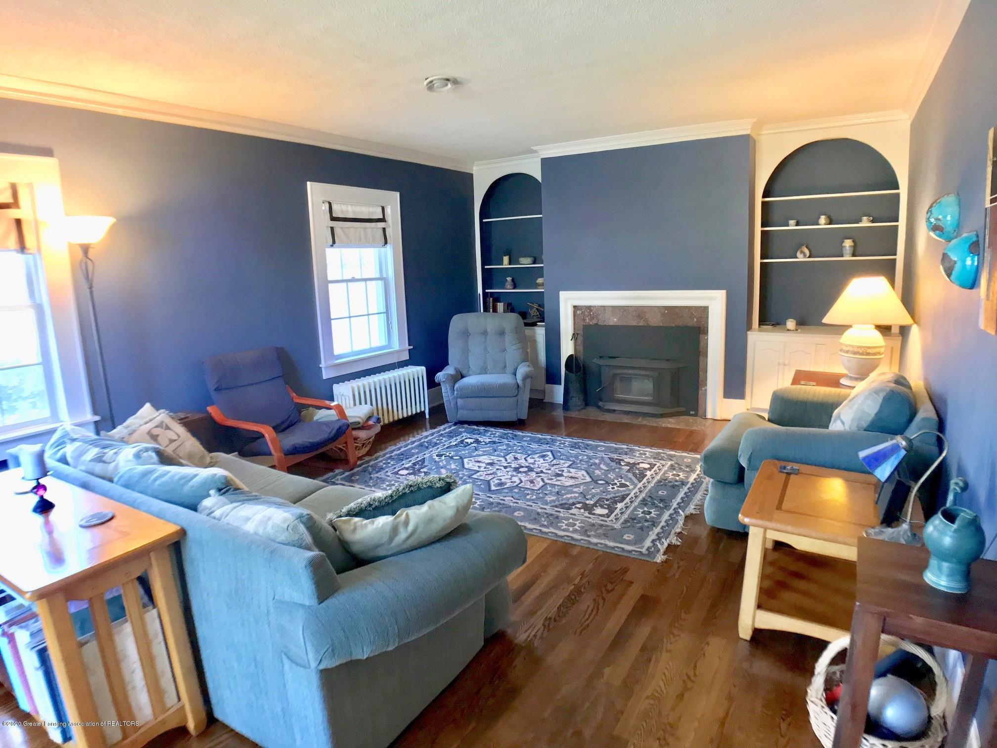 404 Clifton Blvd - Living Room - 5