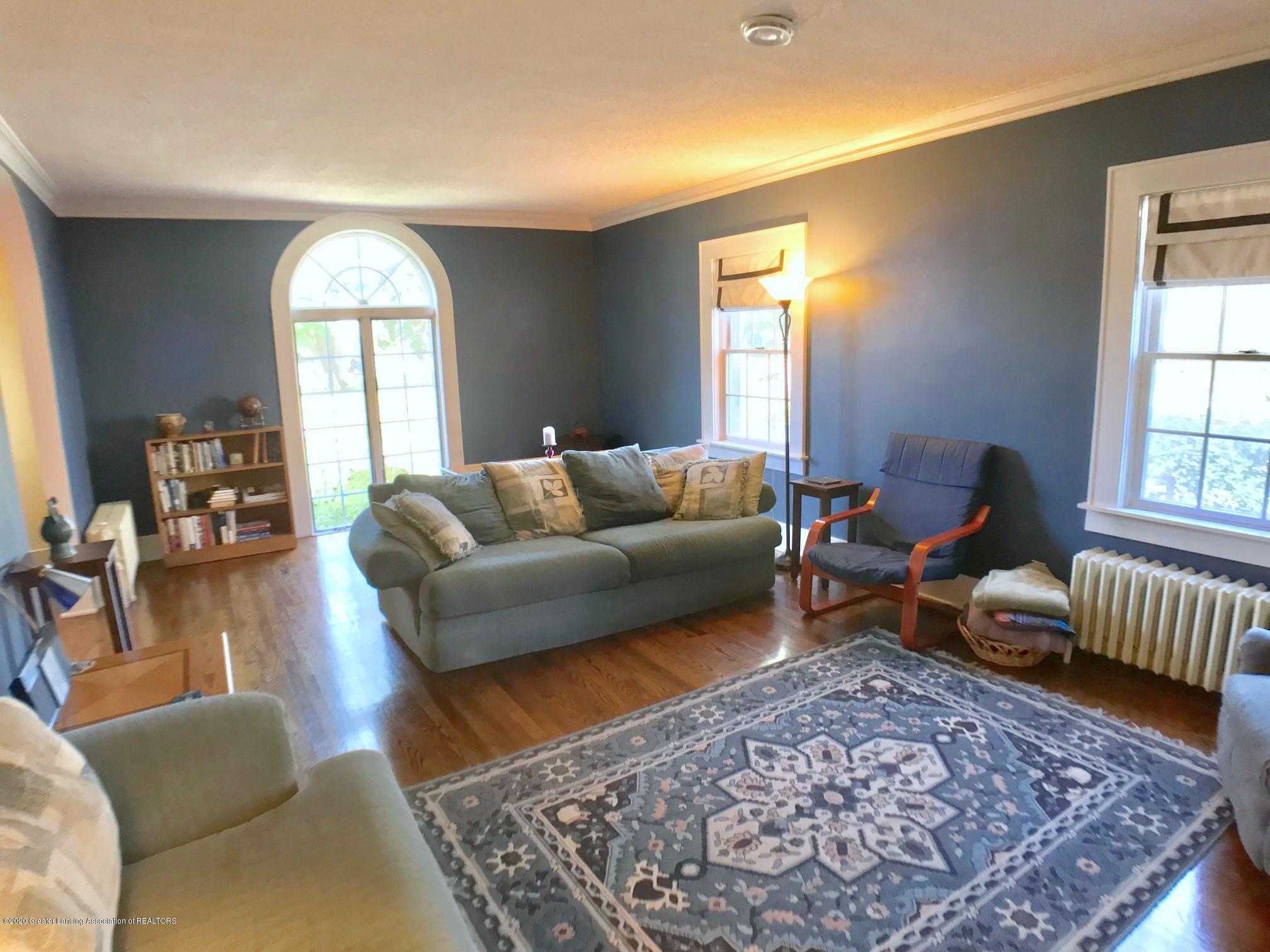 404 Clifton Blvd - Living Room - 6