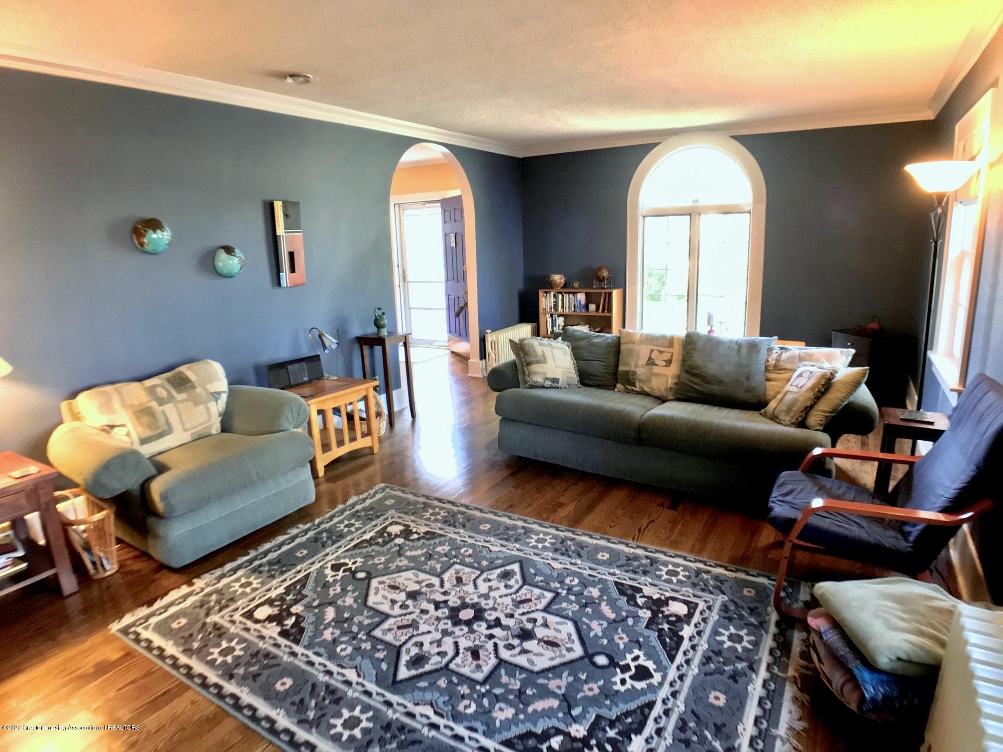 404 Clifton Blvd - Living Room - 8