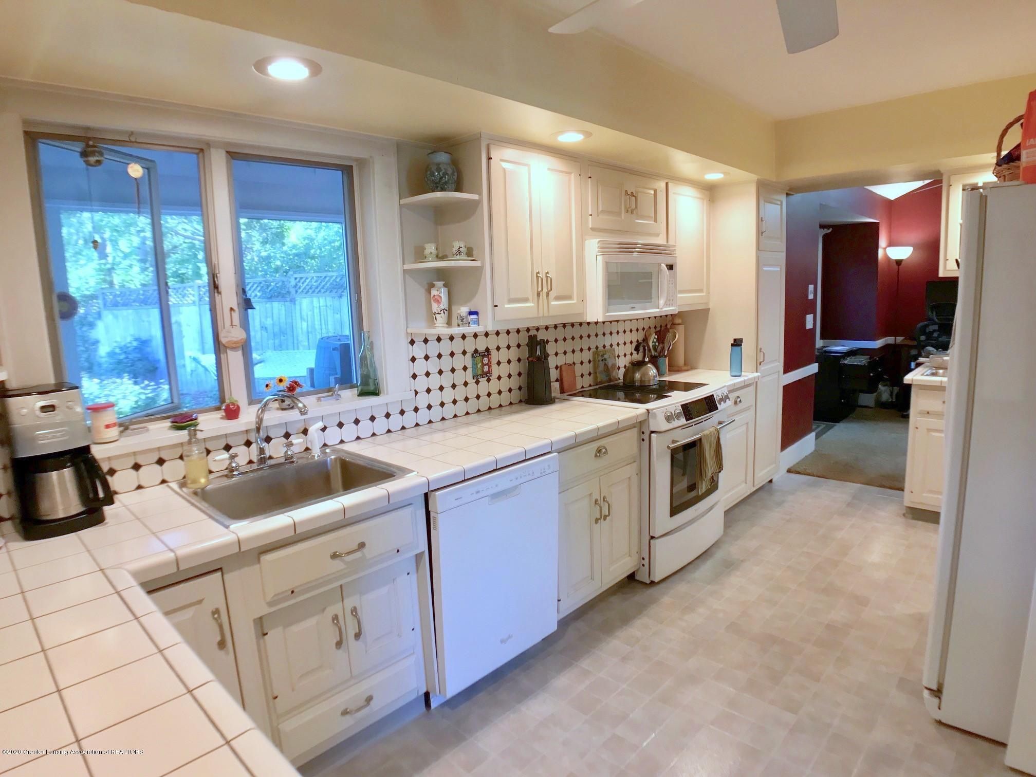 404 Clifton Blvd - Kitchen - 13
