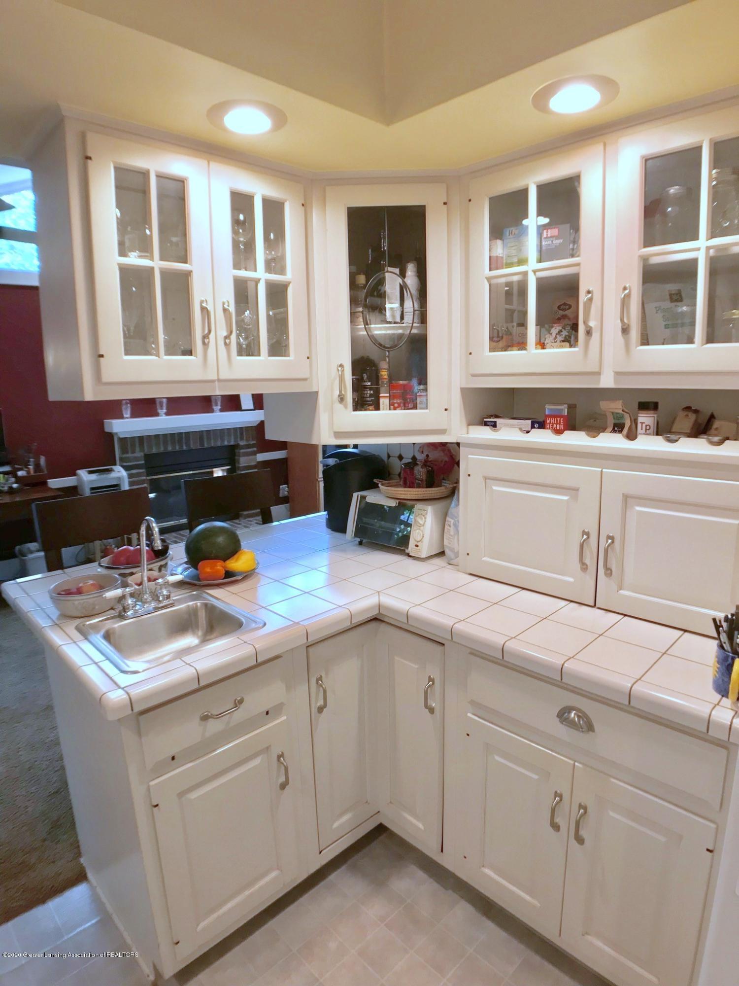 404 Clifton Blvd - Kitchen - 15