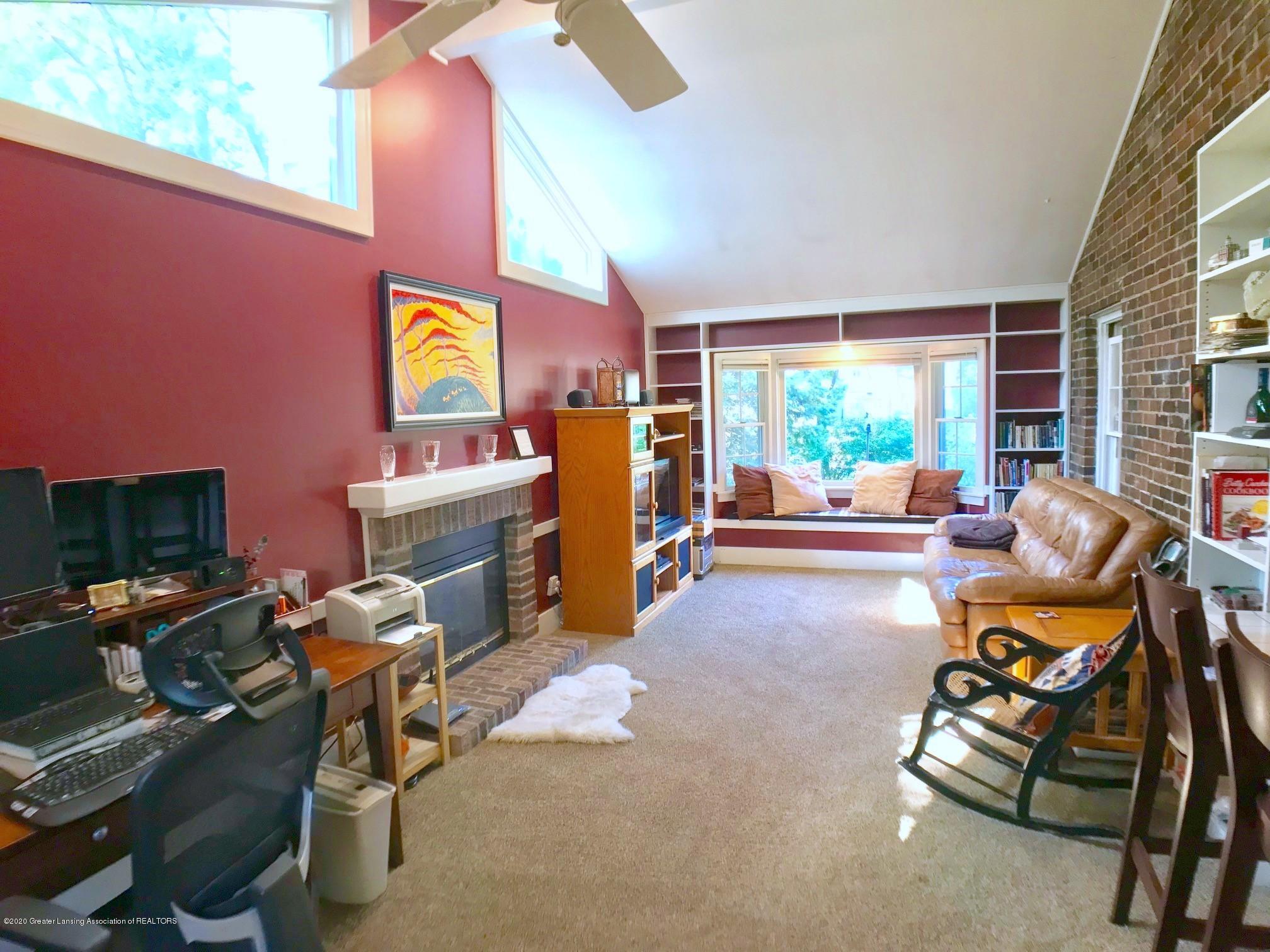 404 Clifton Blvd - Family Room - 16