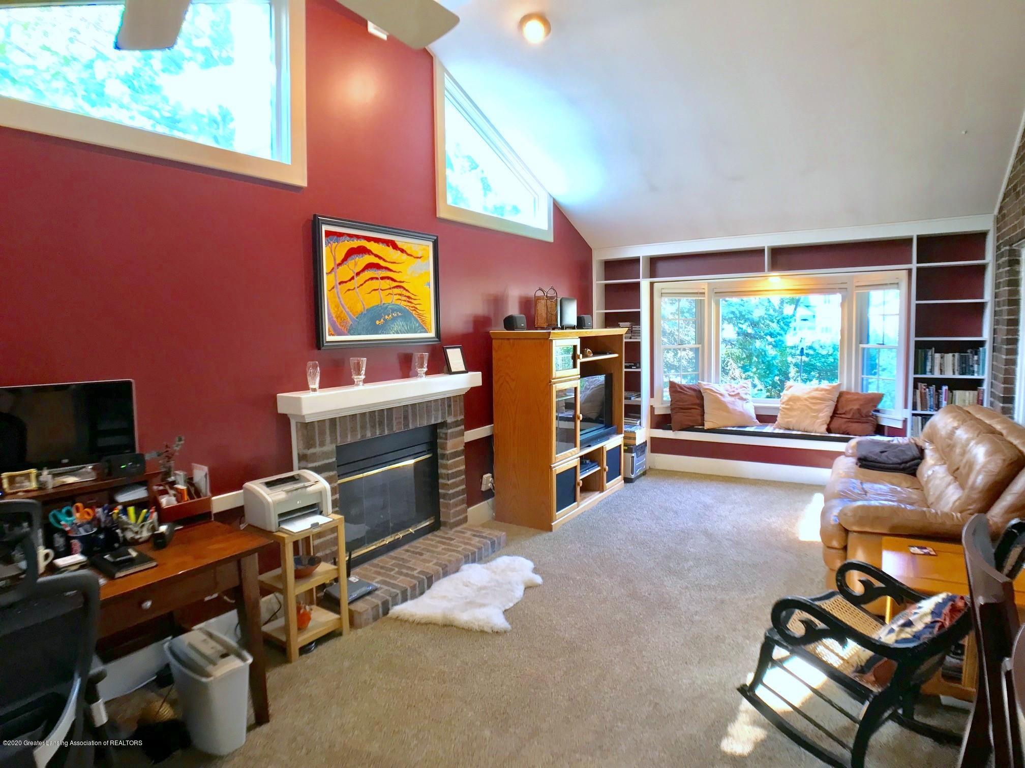 404 Clifton Blvd - Family Room - 20