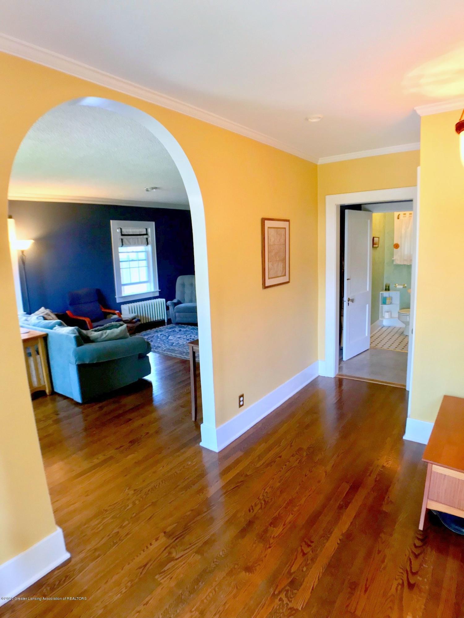 404 Clifton Blvd - Foyer - 4