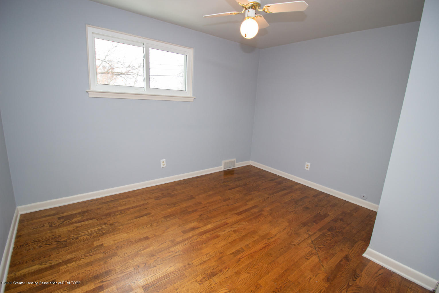 2031 Victor Ave - Bedroom 4 - 27