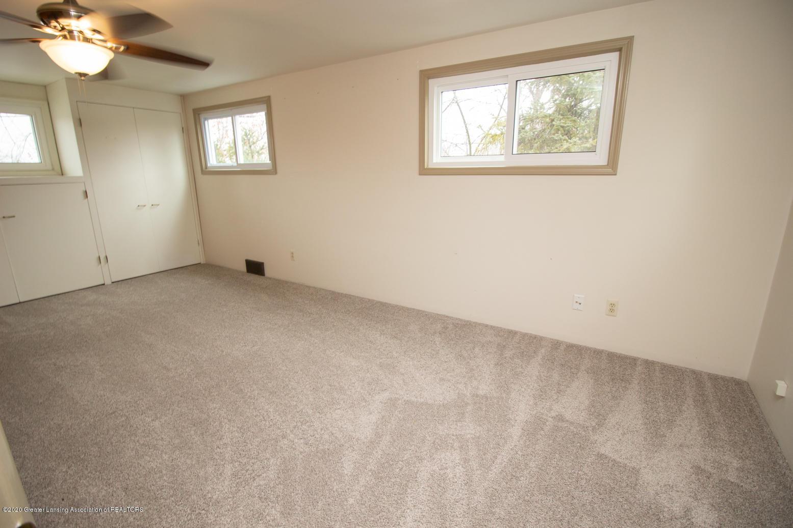 2031 Victor Ave - Master Bedroom - 20