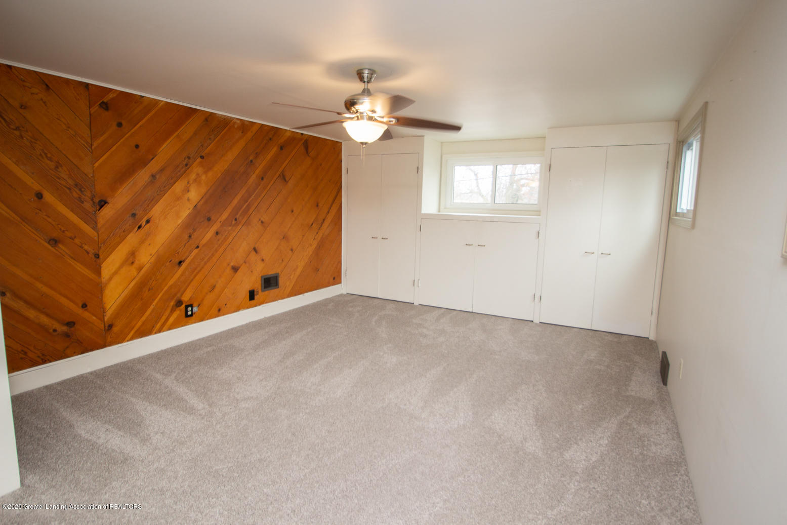 2031 Victor Ave - Master Bedroom - 19