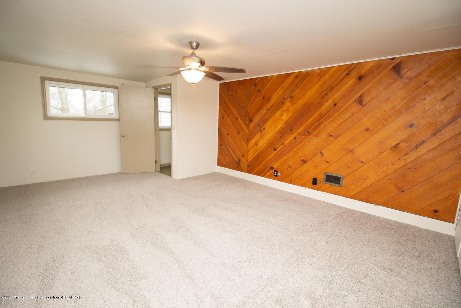 2031 Victor Ave - Master Bedroom - 22