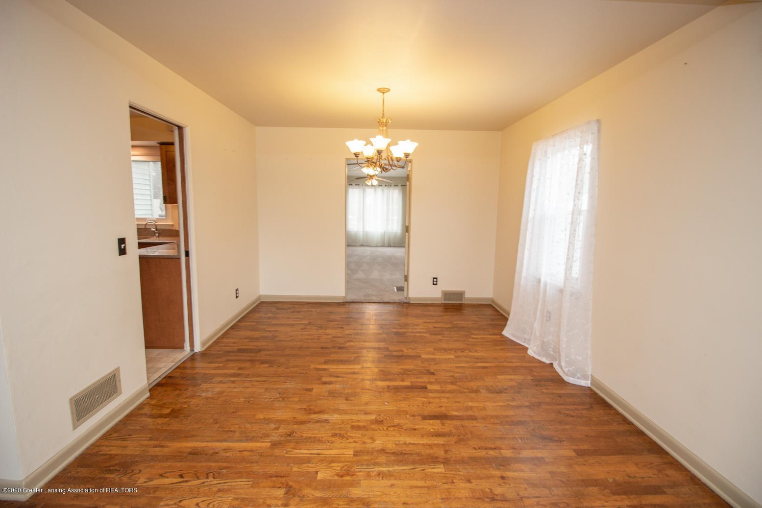 2031 Victor Ave - Dining Room - 6