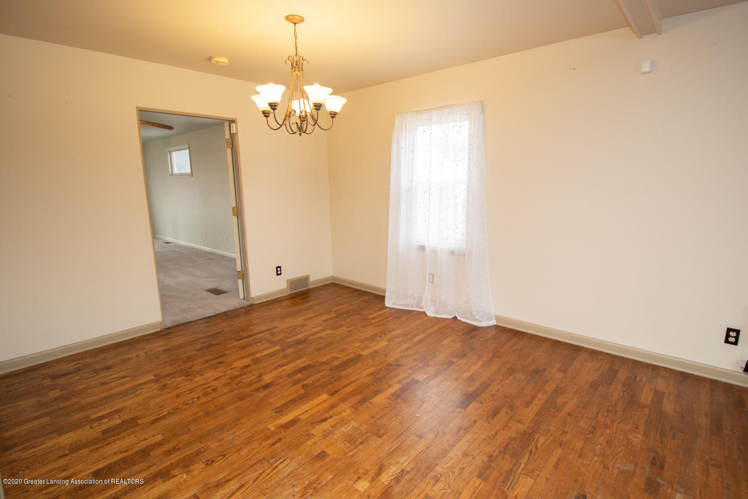 2031 Victor Ave - Dining Room - 5