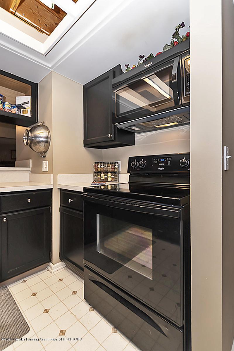 800 Randy Ln 1 - Kitchen - 10