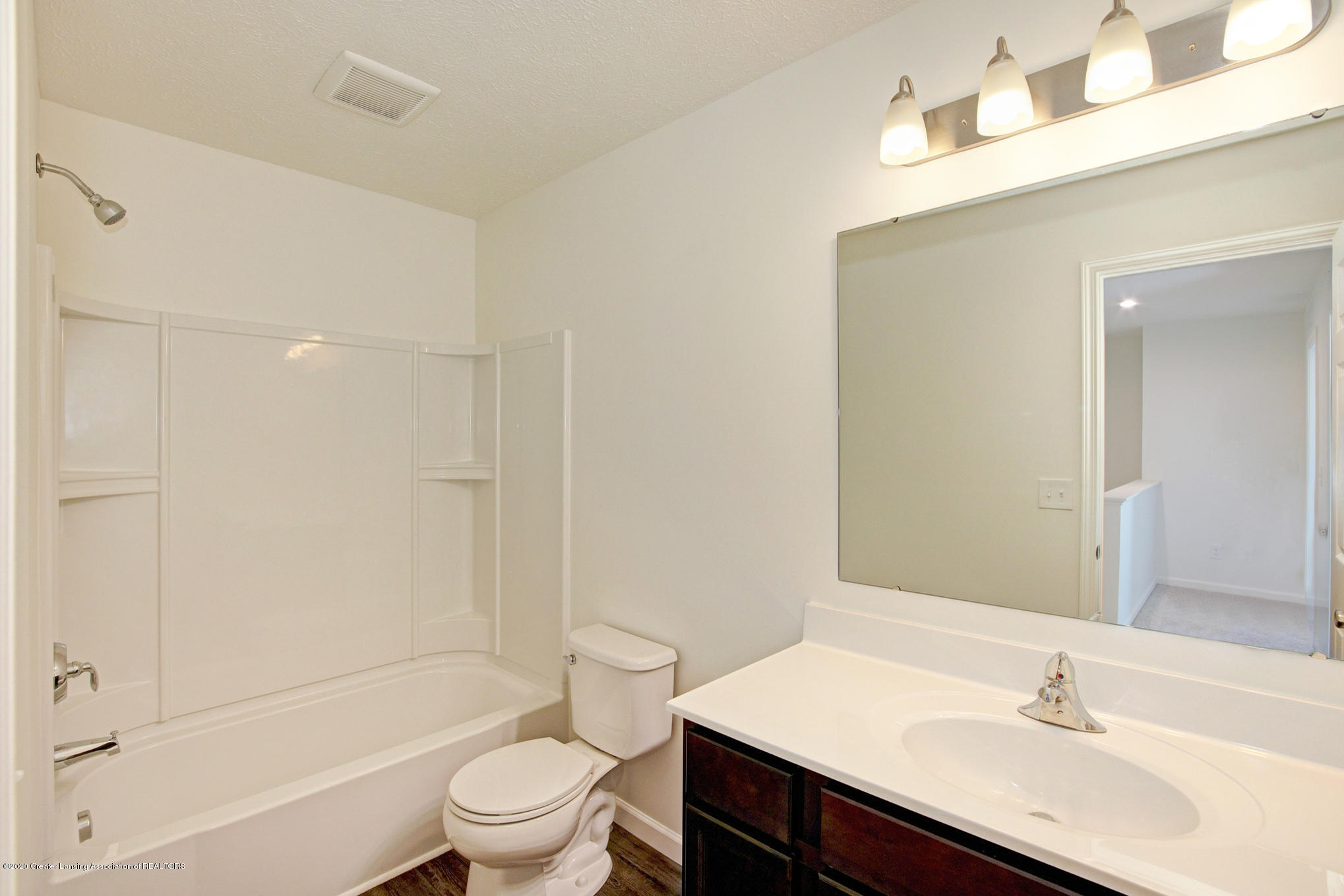 236 River Oaks Dr - OAK079-i1810-Main Bath - 17