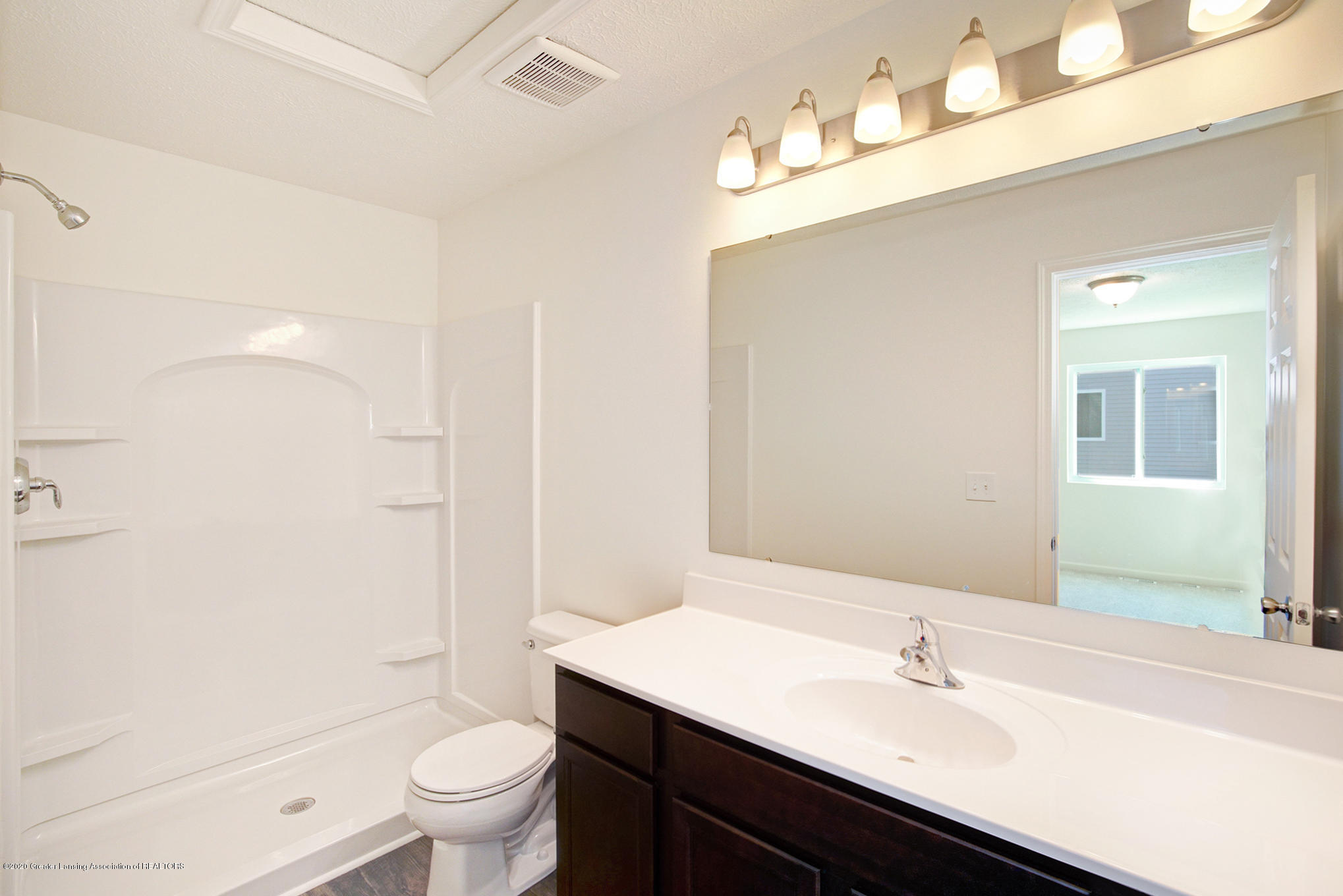 236 River Oaks Dr - OAK079-i1810-Master Bath - 12