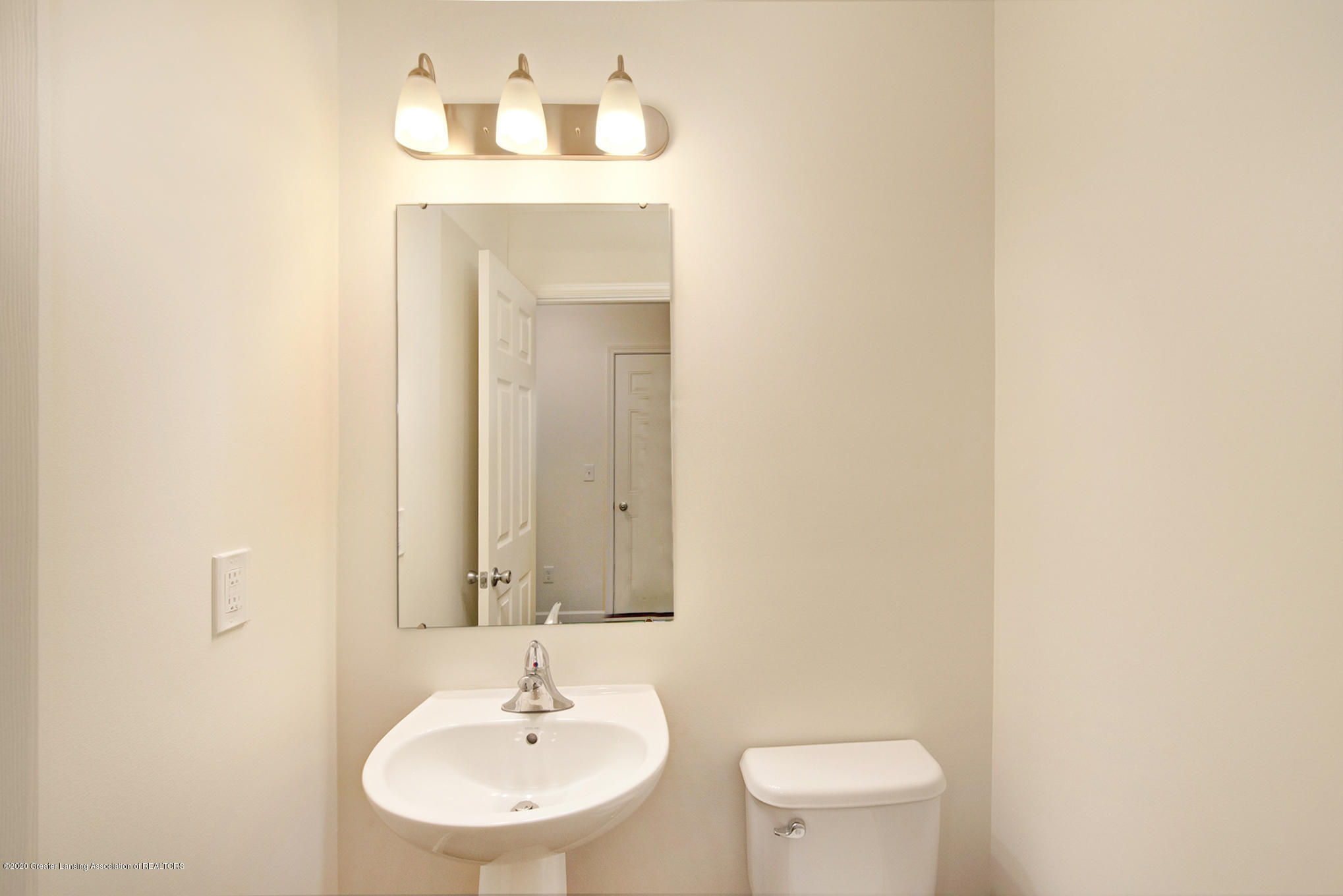 236 River Oaks Dr - OAK079-i1810-Powder Room - 10