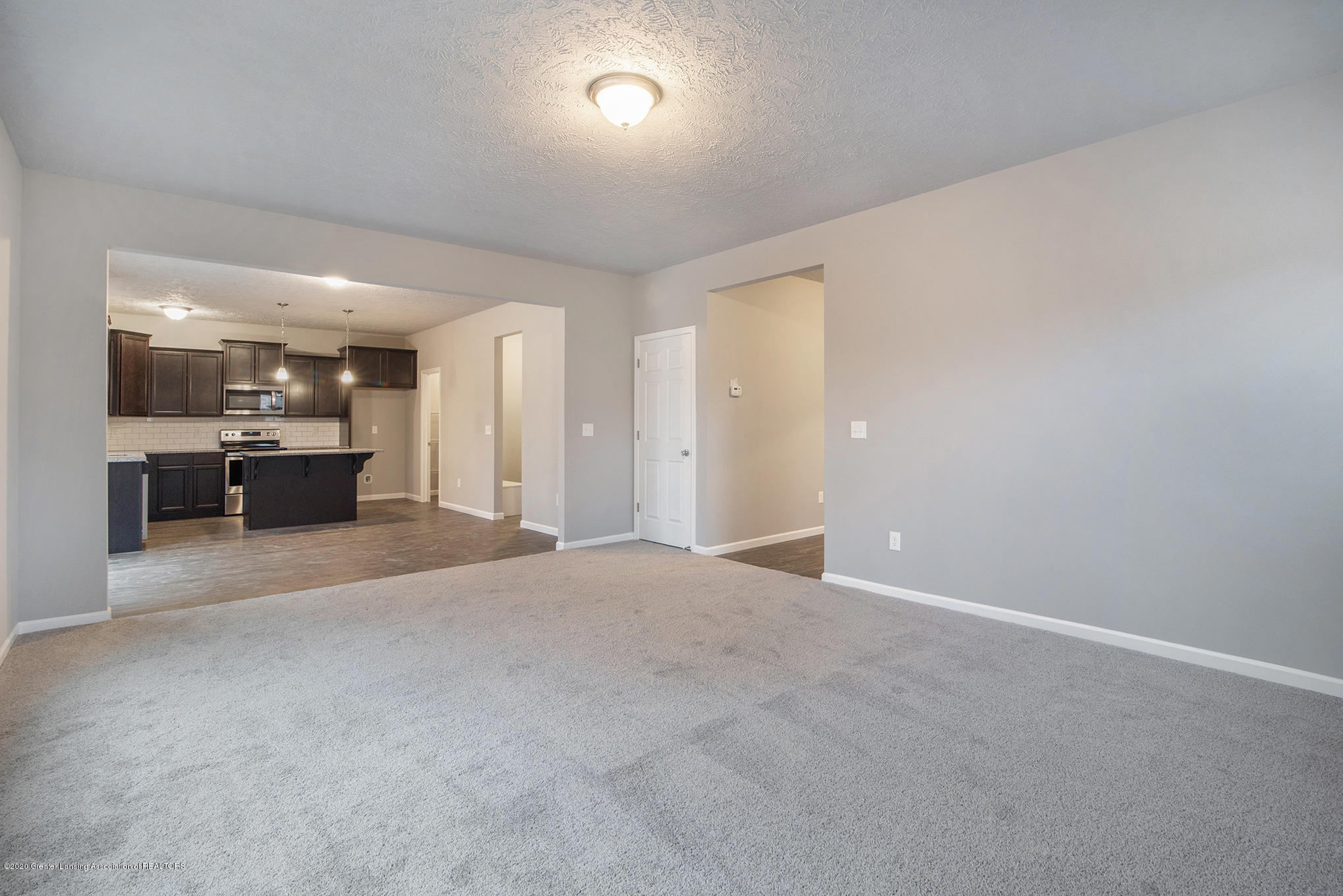 5351 Somerset Dr - GMR081-E2390-Great Room2 - 6