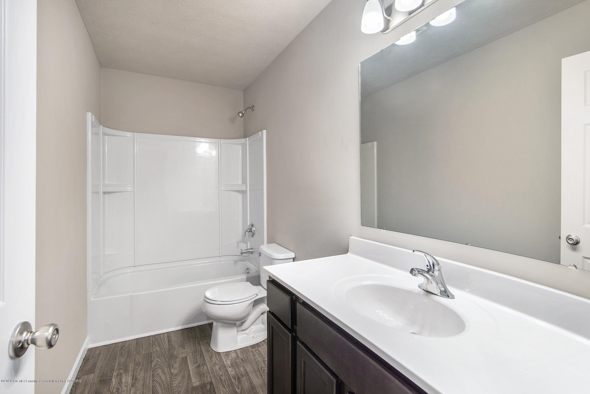 5351 Somerset Dr - GMR081-E2390-Main Bath - 18