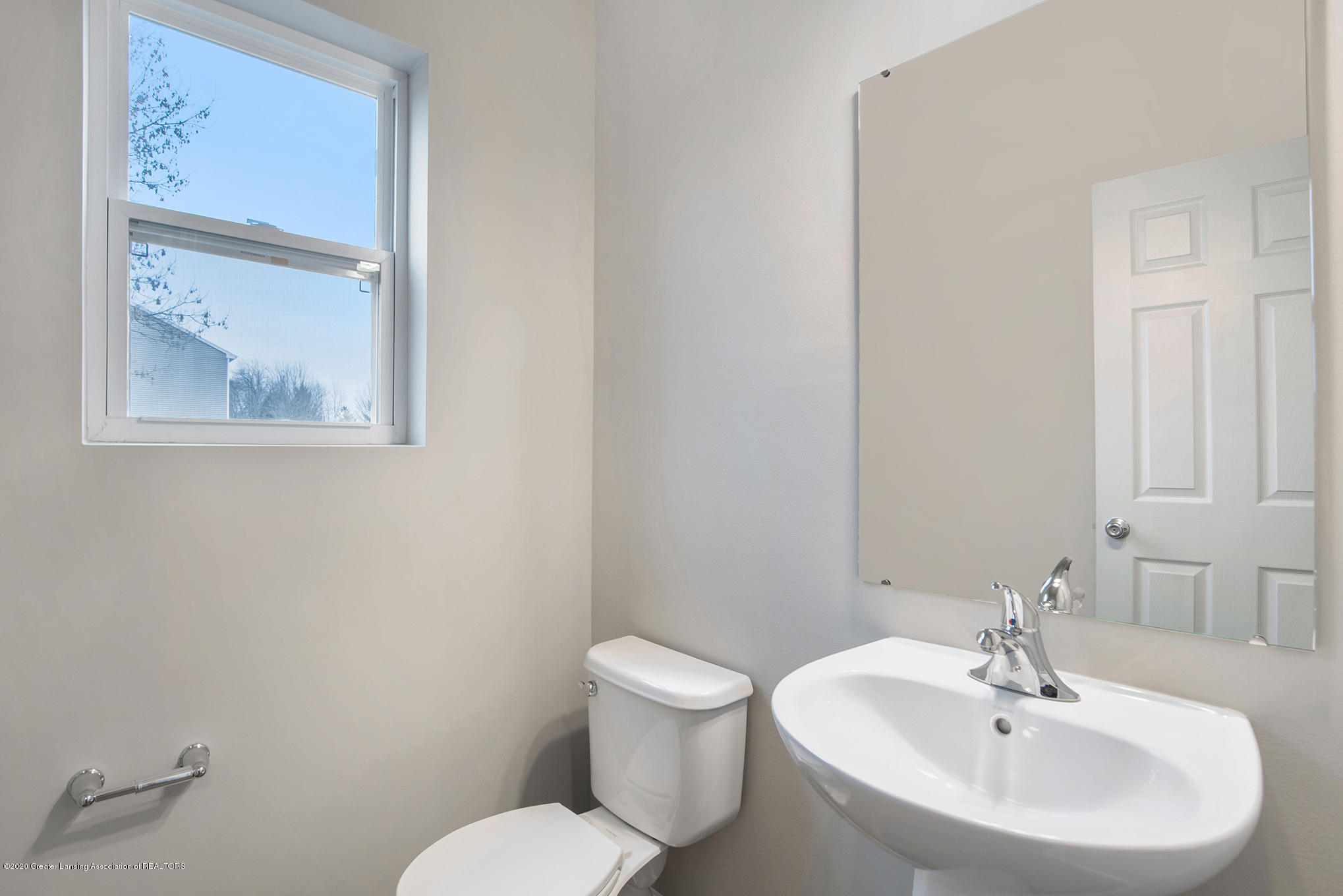 5351 Somerset Dr - GMR081-E2390-Powder Room - 3