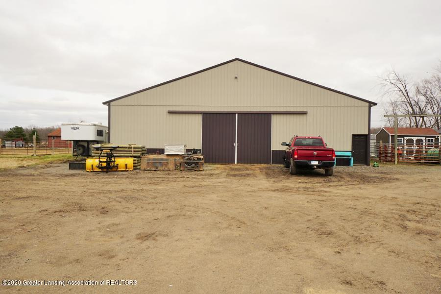 11557 S Croswell Rd - Indoor Riding Arena - 33
