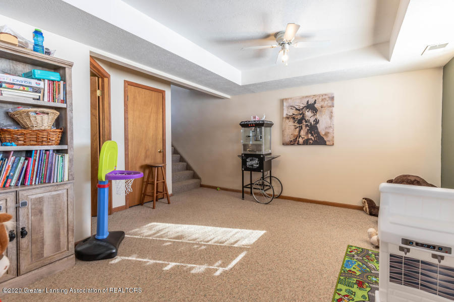 11557 S Croswell Rd - Family Room - 20