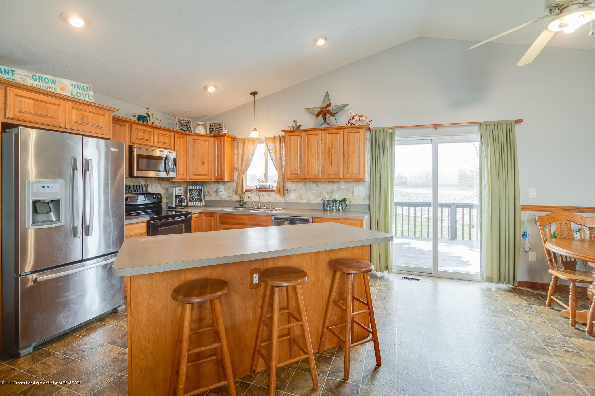 11557 S Croswell Rd - Kitchen - 9