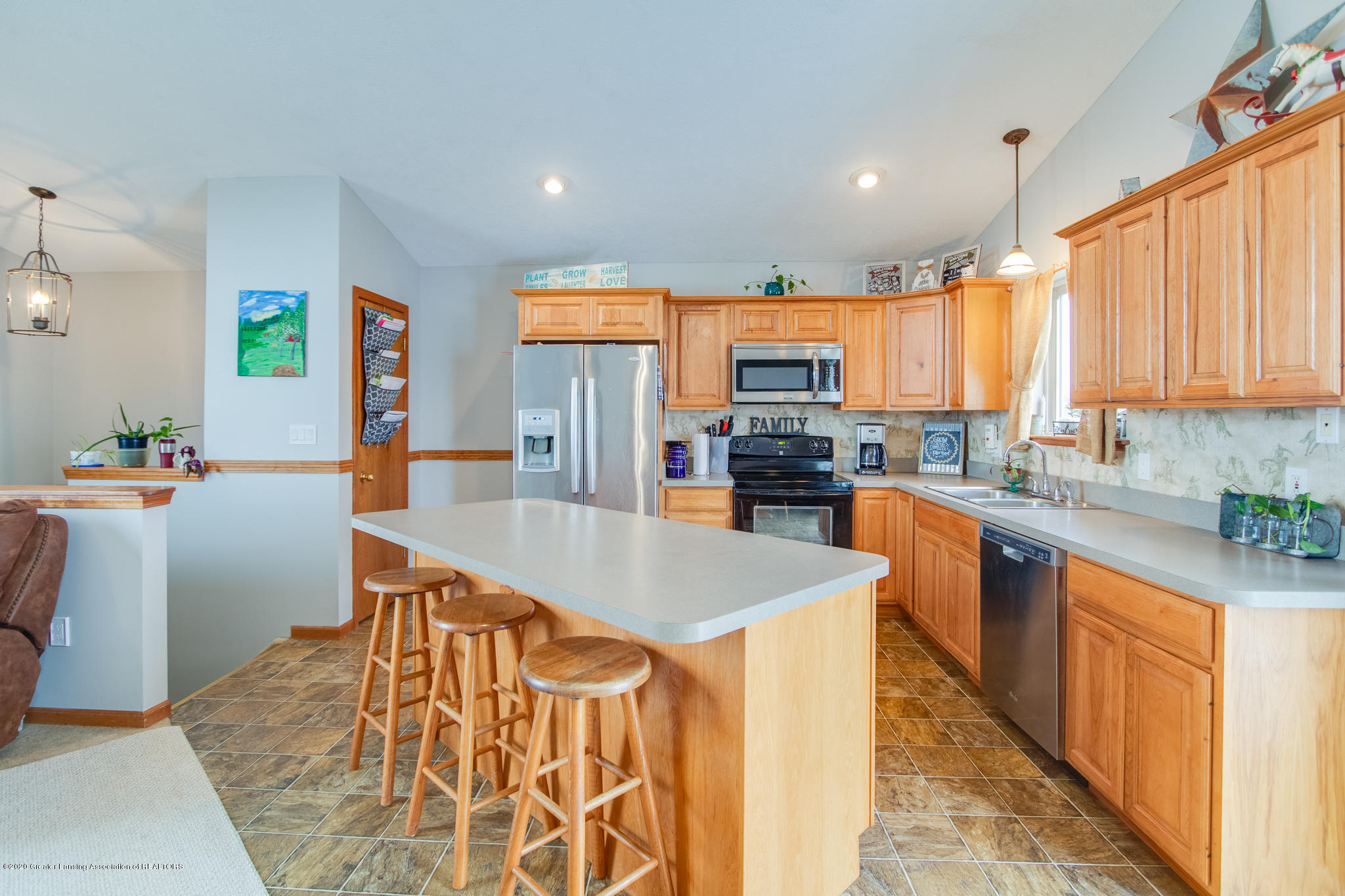 11557 S Croswell Rd - Kitchen - 8