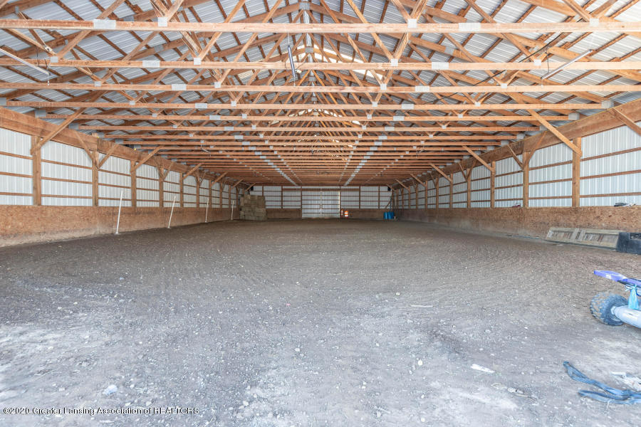 11557 S Croswell Rd - Indoor Riding Arena - 34