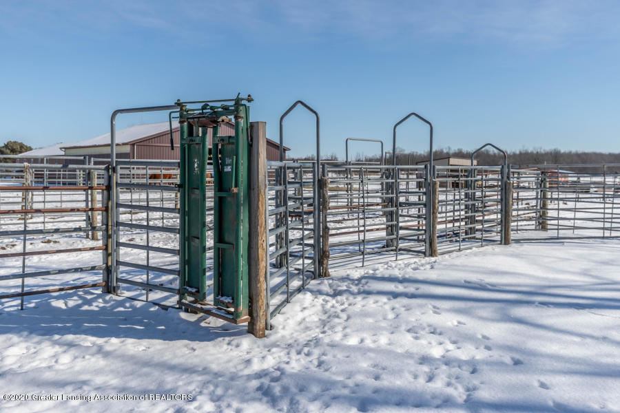 11557 S Croswell Rd - Fencing - 42