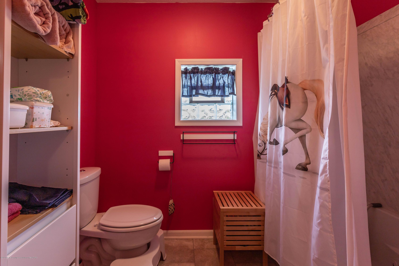 8740 N Scott Rd - Bedroom 3 Bath - 36