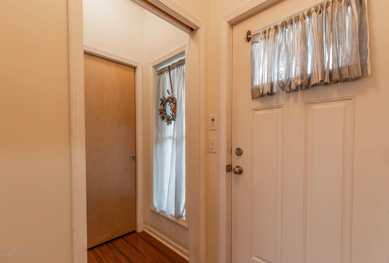 8740 N Scott Rd - Foyer - 5