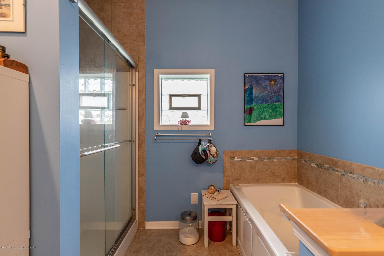 8740 N Scott Rd - Master Bathroom - 21