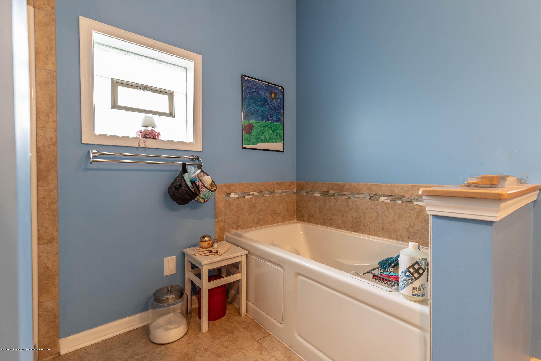8740 N Scott Rd - Master Bathroom - 22