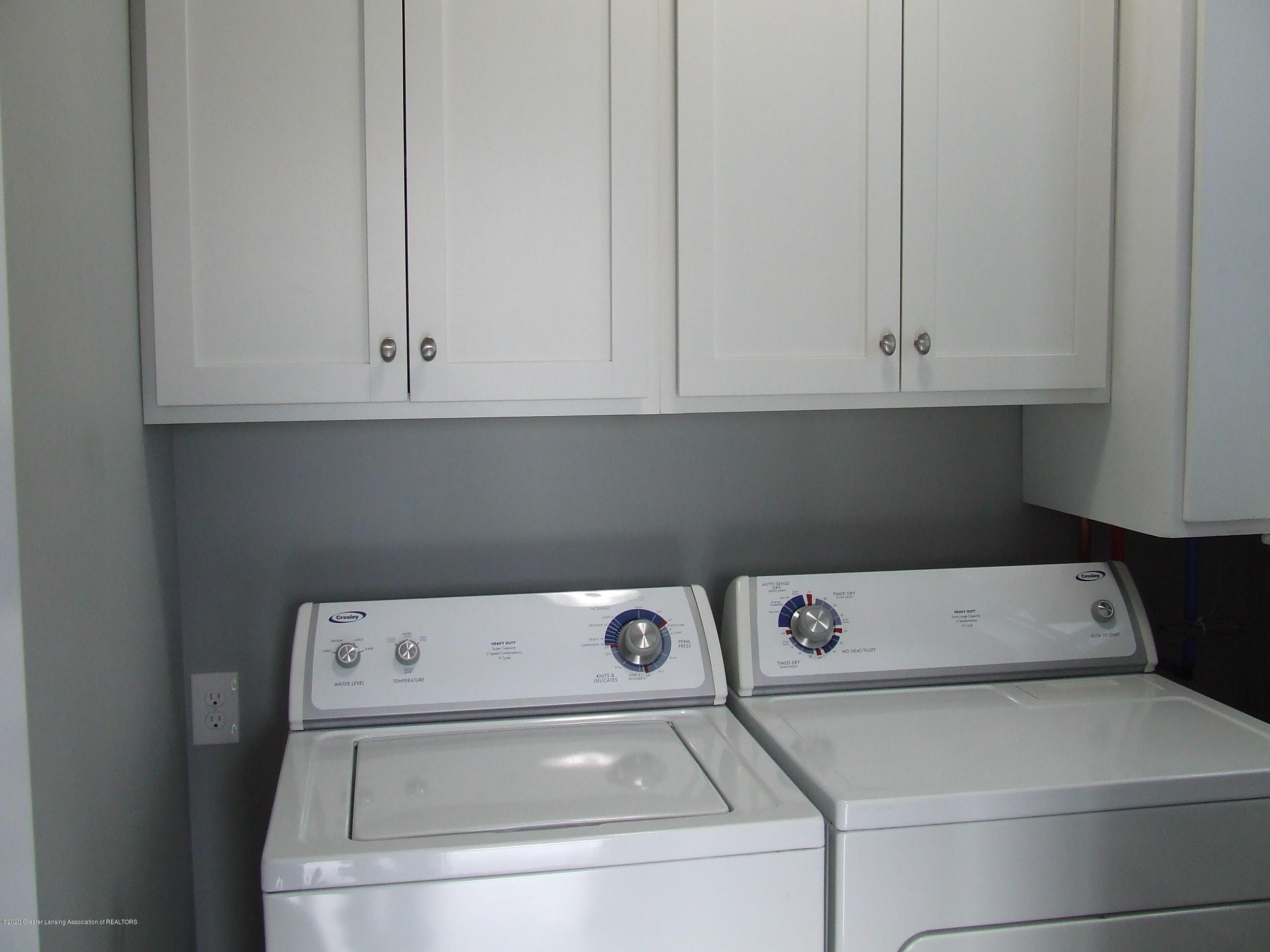 3174 Hamlet Cir - Laundry room - 23