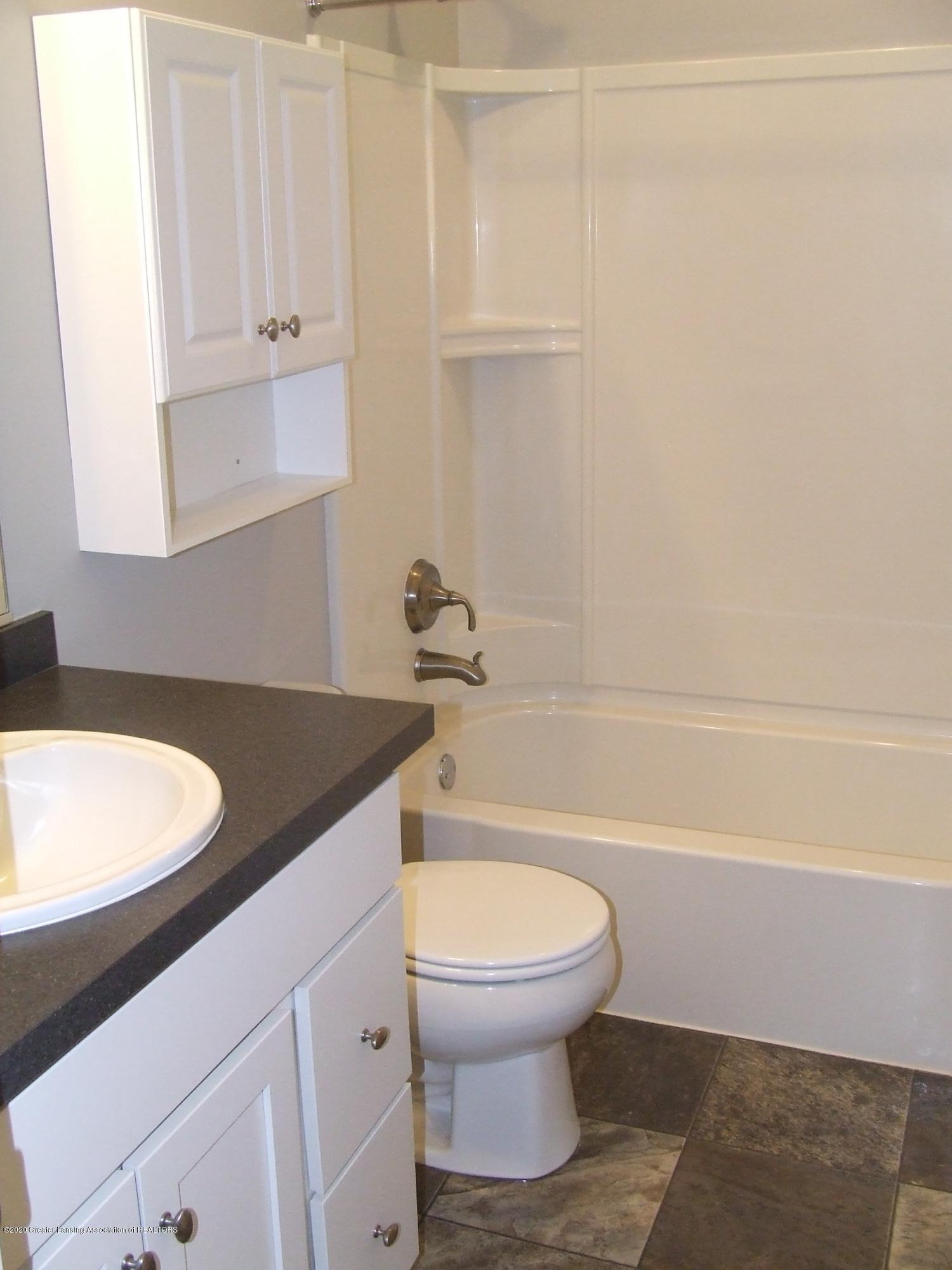 3174 Hamlet Cir - Bathroom - 22