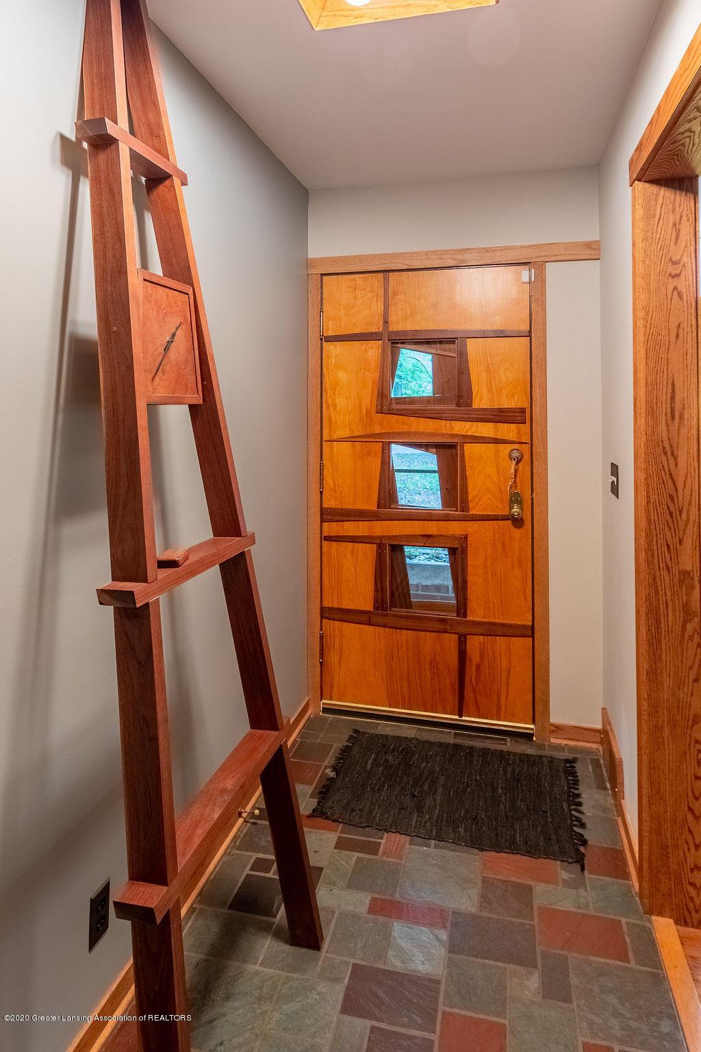 4718 Woodcraft Rd - Entrance - 5