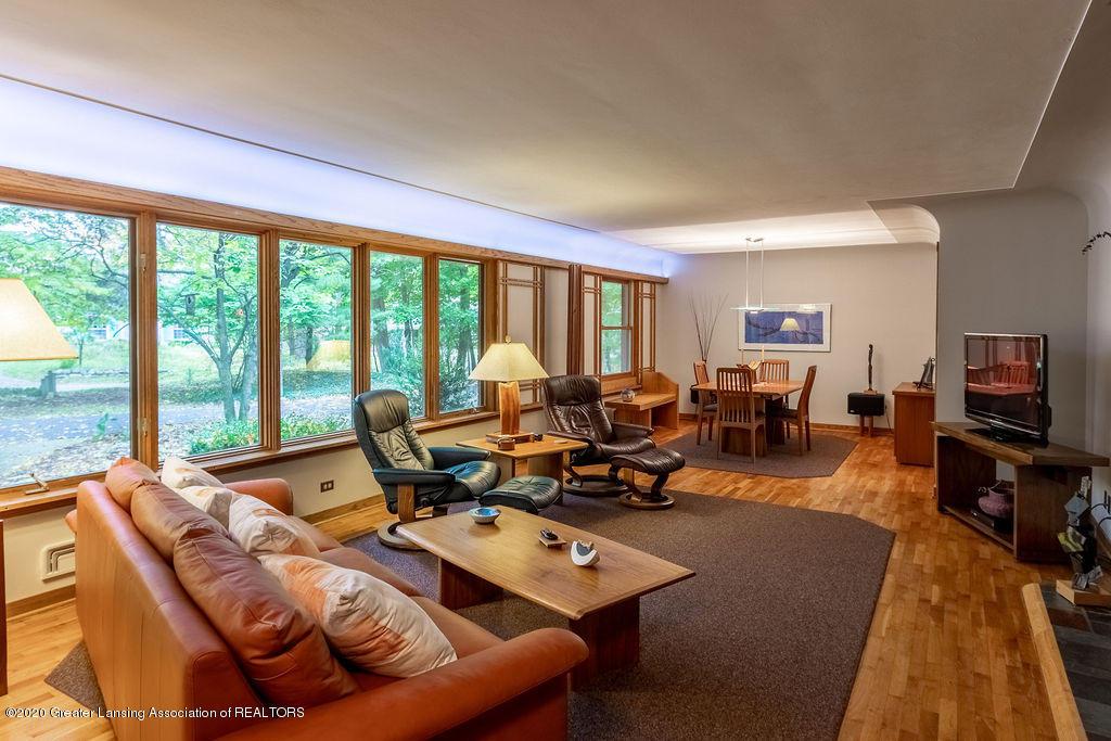 4718 Woodcraft Rd - Living room - 8