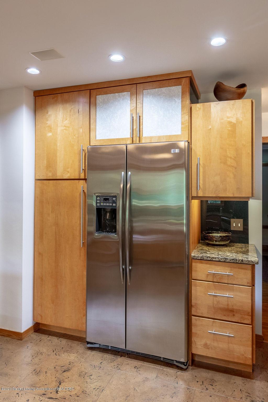 4718 Woodcraft Rd - Kitchen - 19