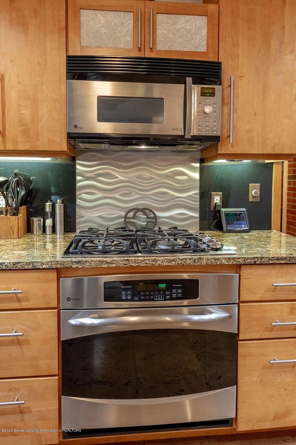 4718 Woodcraft Rd - Kitchen - 20