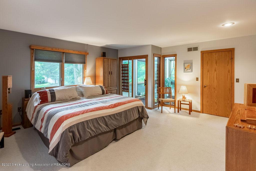 4718 Woodcraft Rd - Master bedroom - 24