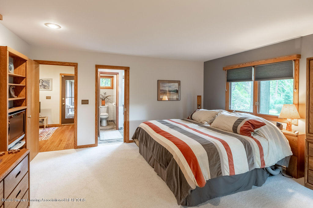 4718 Woodcraft Rd - Master bedroom - 25