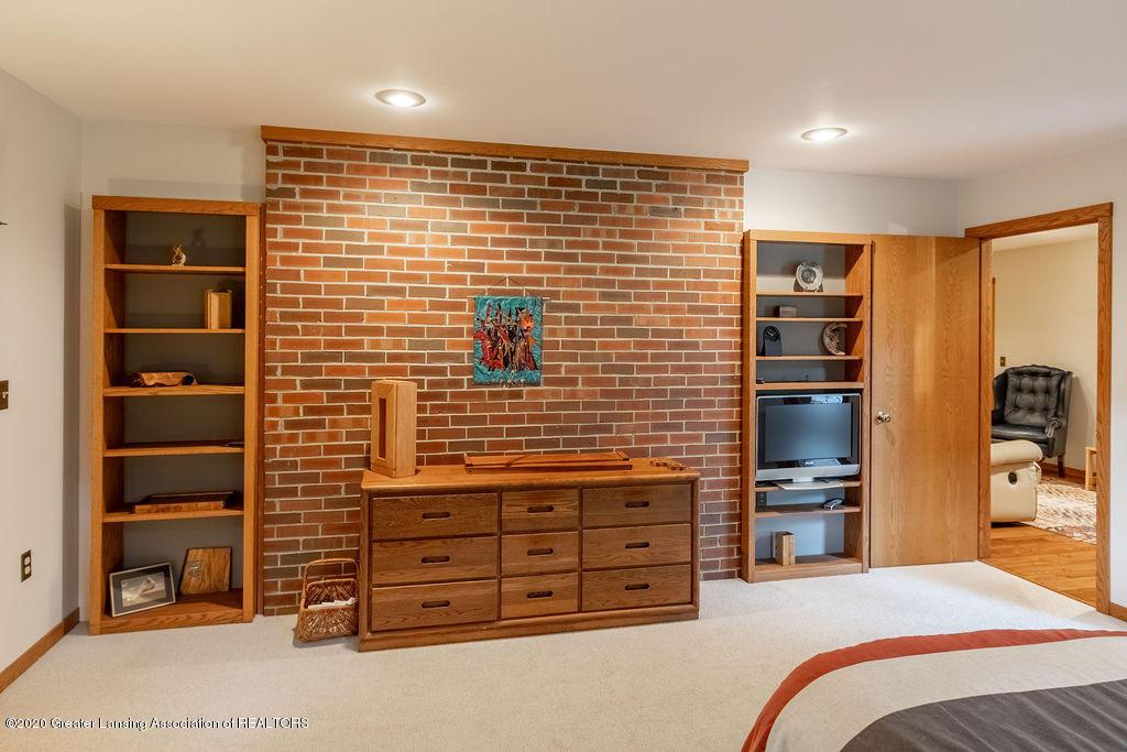 4718 Woodcraft Rd - Master bedroom - 26