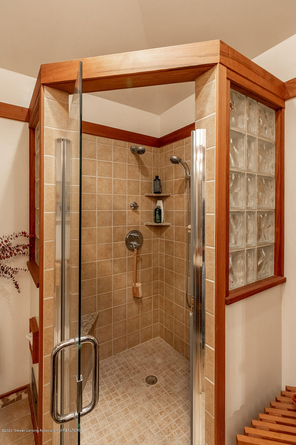 4718 Woodcraft Rd - Second bath - 34