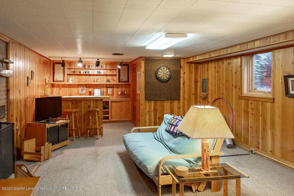 4718 Woodcraft Rd - Rec room w/wet bar - 42
