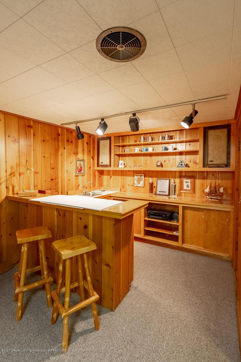 4718 Woodcraft Rd - Wet bar - 44