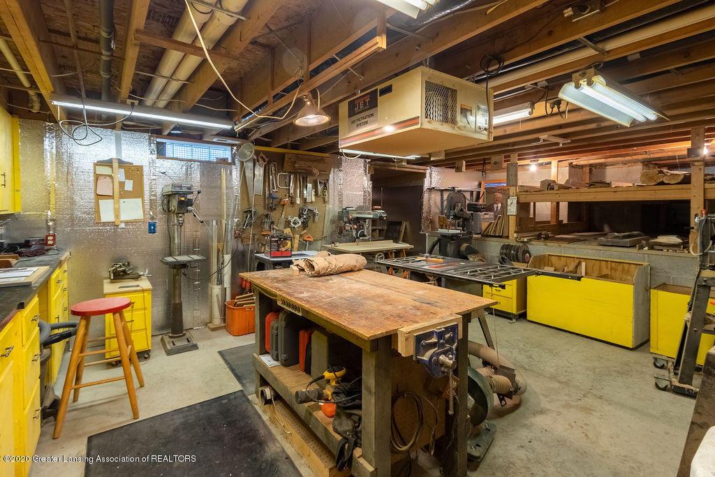 4718 Woodcraft Rd - Flex room - 45