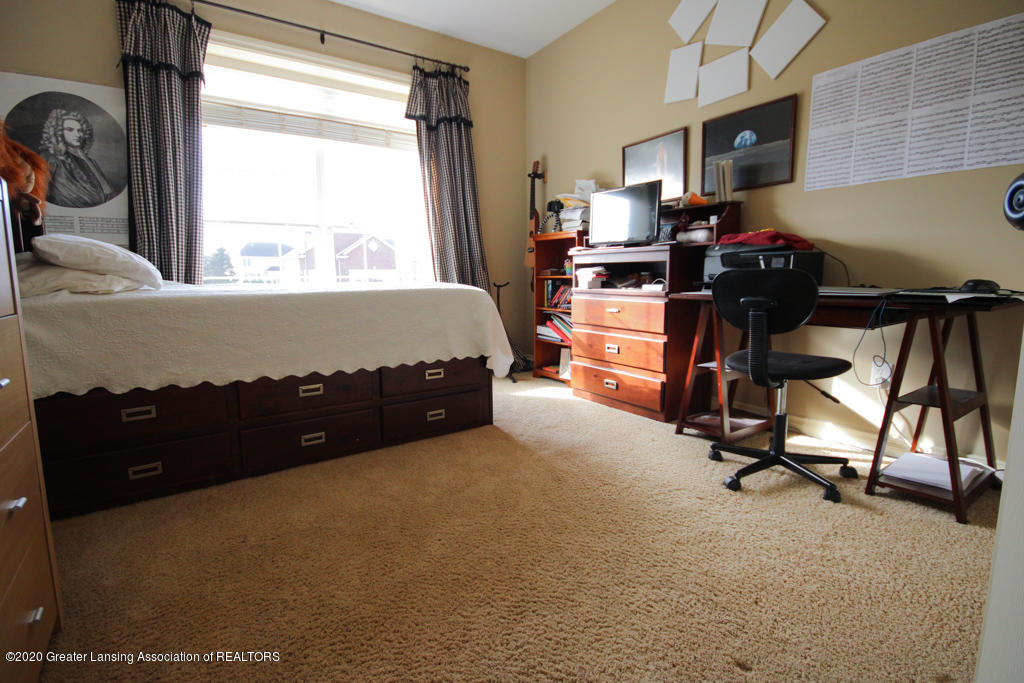 4360 Chancellor Dr - Bedroom - 18