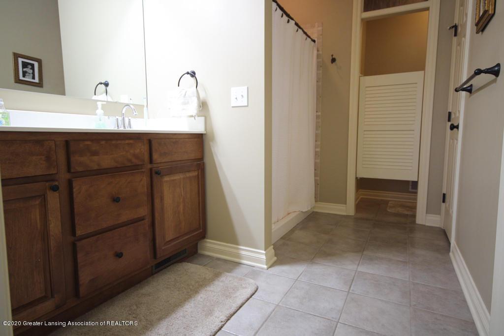 4360 Chancellor Dr - Bathroom - 17