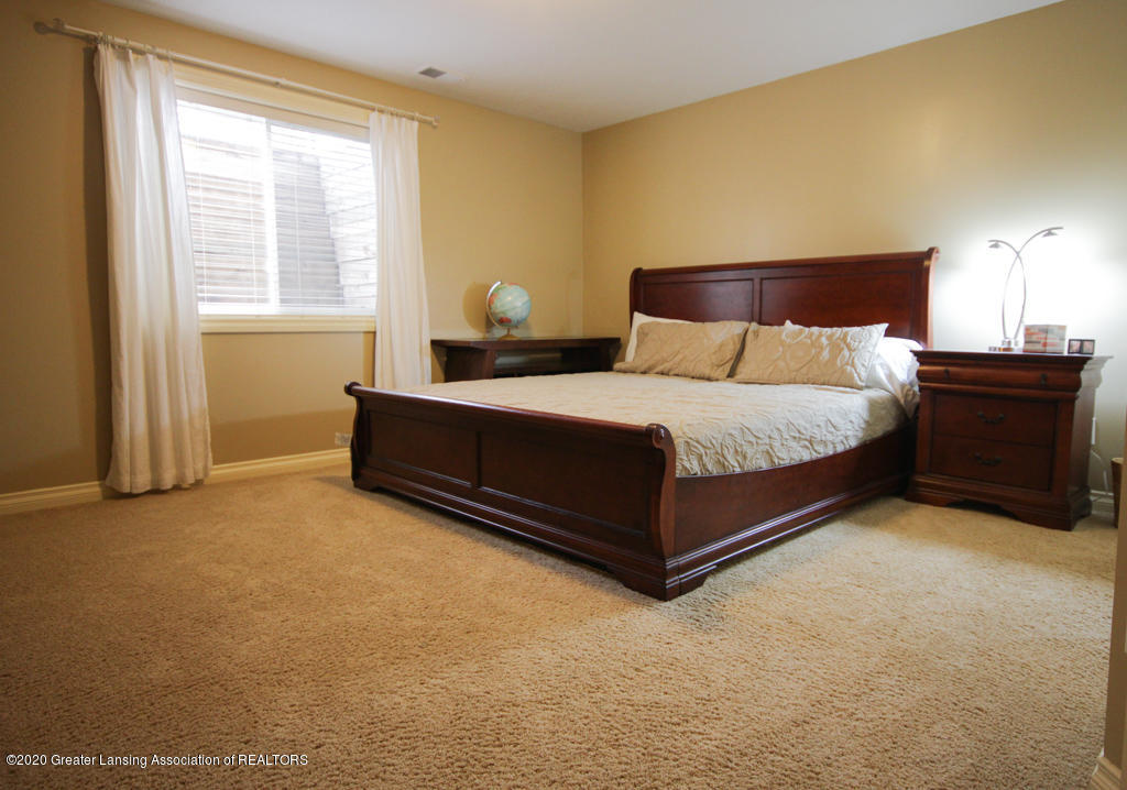 4360 Chancellor Dr - Bedroom - 22