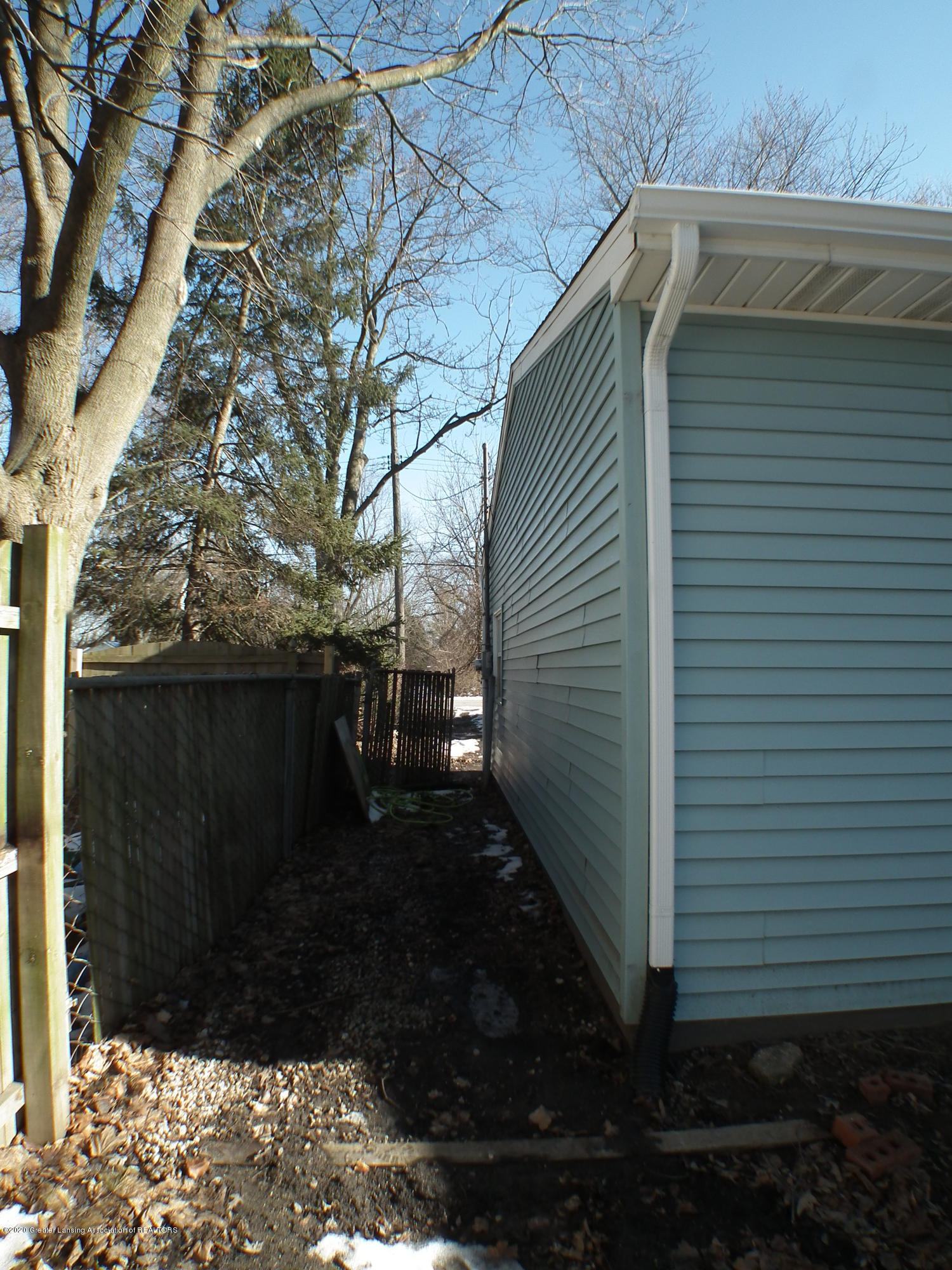 530 Stoll Rd - North Side - 35