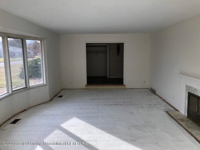 4635 Sequoia Trail - Living Room - 11